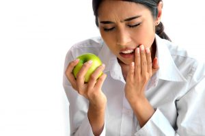 What Need Know Jaw Pain Joint Disorders eating apple